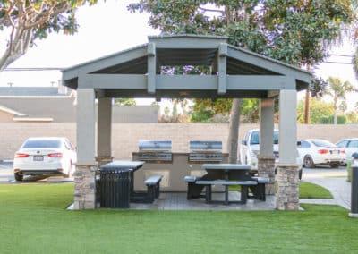 bbq-grill-apartment-community