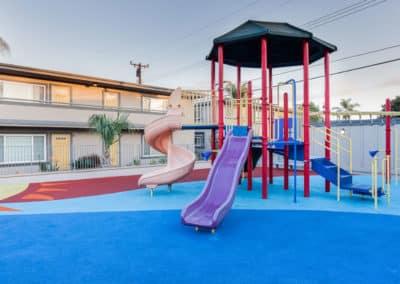 apartment-playground